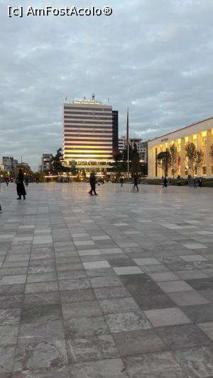 foto-vacanta la Descoperă Tirana