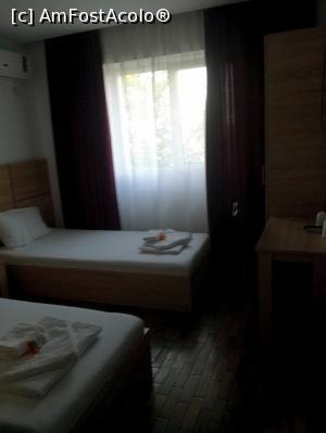 foto-vacanta la Otopeni Hotel [Otopeni]