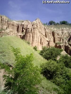 foto-vacanta la Rezervaţia Naturală Râpa Roşie