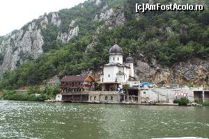 foto-vacanta la Mănăstirea Mraconia