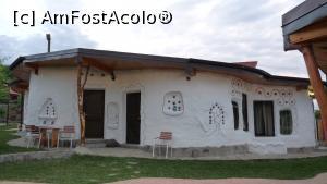 foto-vacanta la Cob Village [Berca]